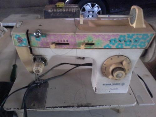 2 máquinas de costura singer, bobina mágica, só retirada.