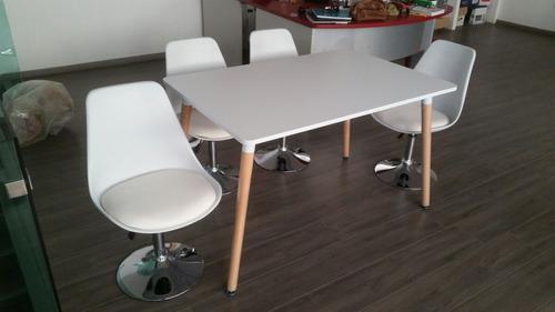 2 mesas eames con 4 sillas tulip chair hermoso y único