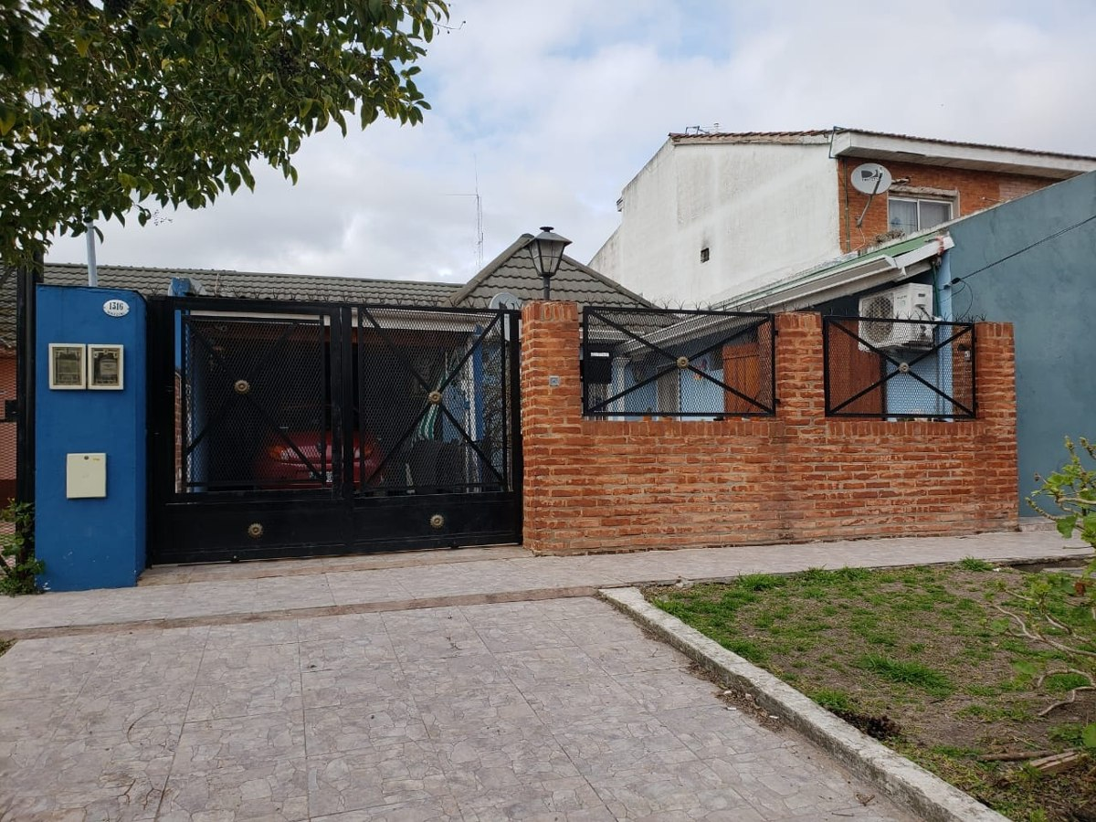 2 modernas viviendas chalet + depto - apto credito - vh40