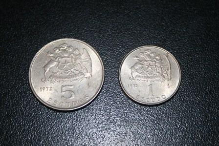 2 monedas año 1972. de 1 y 5 escudos