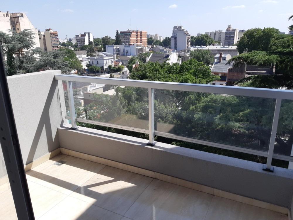 2 monoambiente contra frente c/balcon en el 5°piso