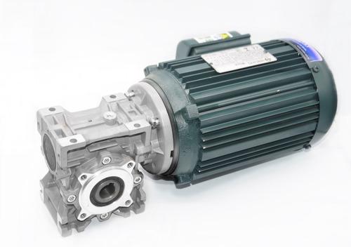 2 motores 1/2cv tri 4p e 2 motoredutores 1/30 1/3cv tri 4p