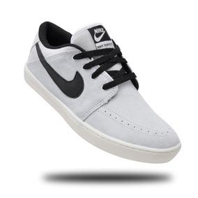 cd754b50ad5 Tênis Nike Doze Molas - Nike para Masculino Cinza claro no Mercado ...