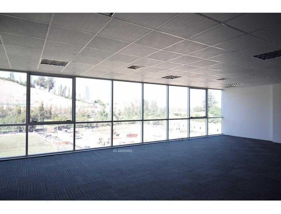 2 plantas / excelentes oficinas / ciudad empresarial
