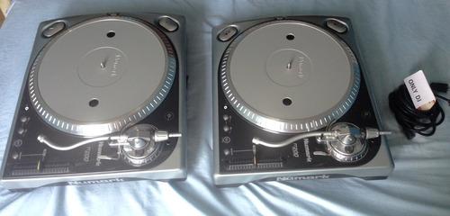 2 platos numark tt200 de motor como el technics mk2 1200