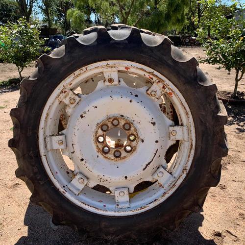 2 ruedas de tractor, 11x36