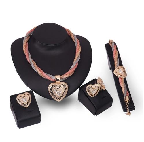 2 sets de collar y aretes a s/. 100