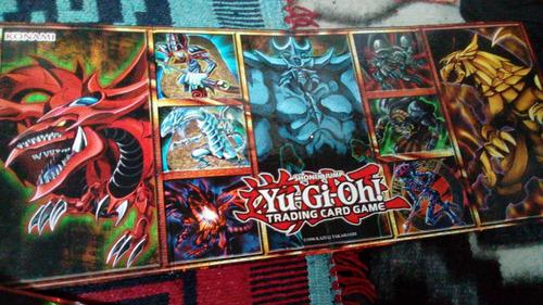 2 tableros para jugar cartas originalesde yugioh + 60 cartas
