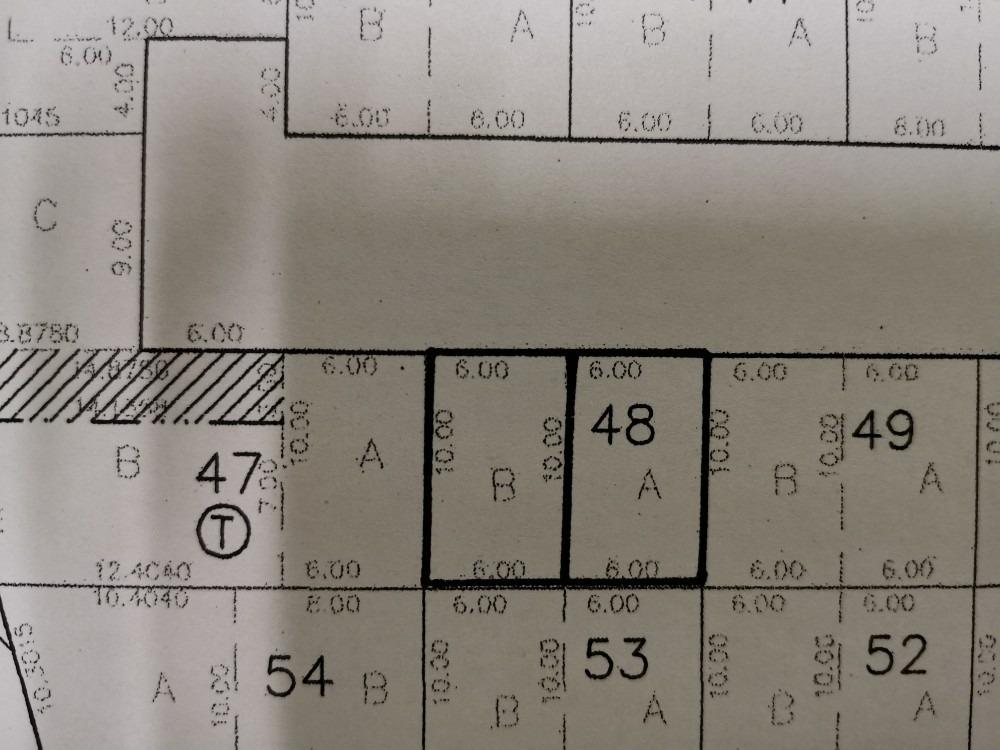2 terrenos, de 60 m2 cada uno que juntos forman 120.