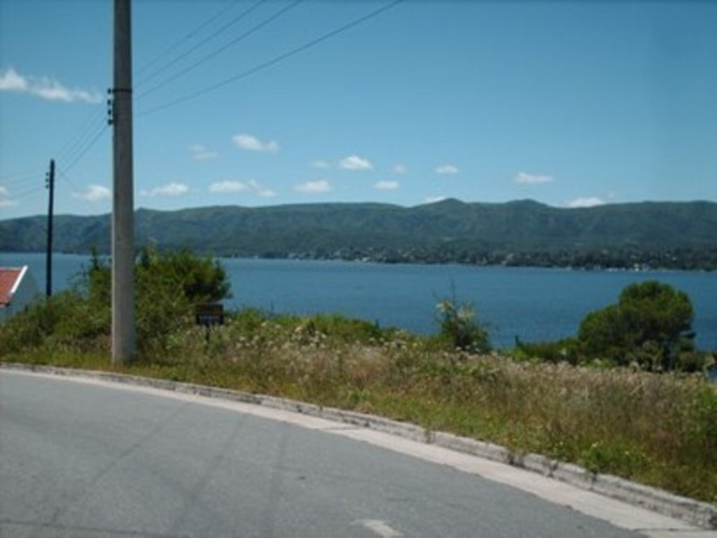 2 terrenos en carlos paz con la mejor vista al lago.lotes
