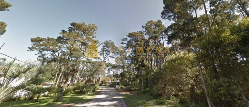 2 terrenos en pinares linderos valor por c/u 70000 dolares a 6 cuadras de la playa mansa de parada 36. consulte!!!!!!!!- ref: 2192