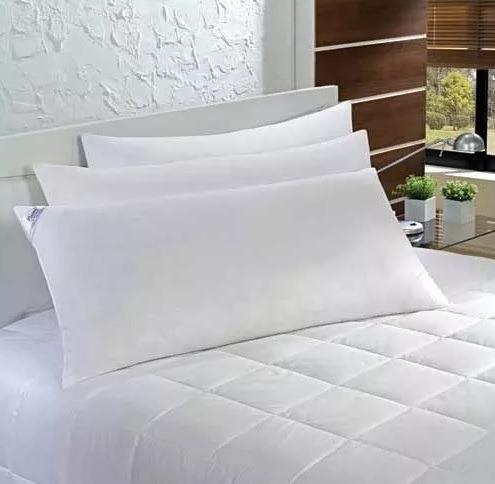 2 travesseiros king 90x50  fibra siliconada fronhas 400 fios