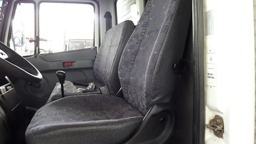 2 unidades mercedes 710 4x2 ano 2010/2011 (cabine suplemen