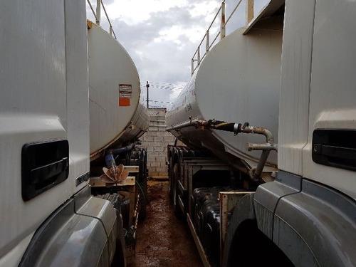 2 unidades mercedes-bens 2831 6x4 ano 2013 pipa gascom