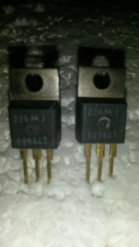 2 x transistor 226 mj.