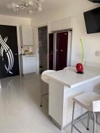 20-11970 hermoso apartamento en los naranjos