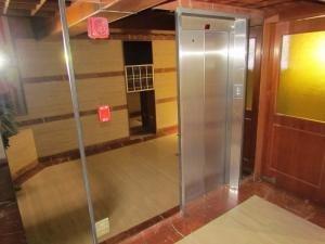 20-3615 comodo e iluminado apartamento en el peñón