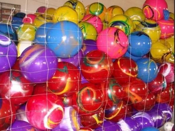 42d51b481 20 Bolas De Vinil Coloridas Bola Grande Marmorizadas Festas - R$ 59 ...