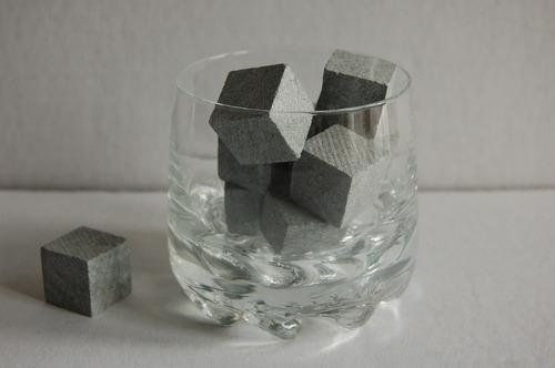 20 cubos pedra sabão gelar whisky + caixa com tampa