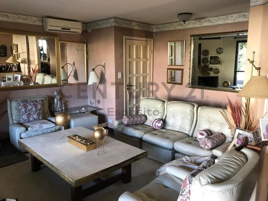 20 e/ 477 y 479. casa en venta en city bell de dos dormitorios