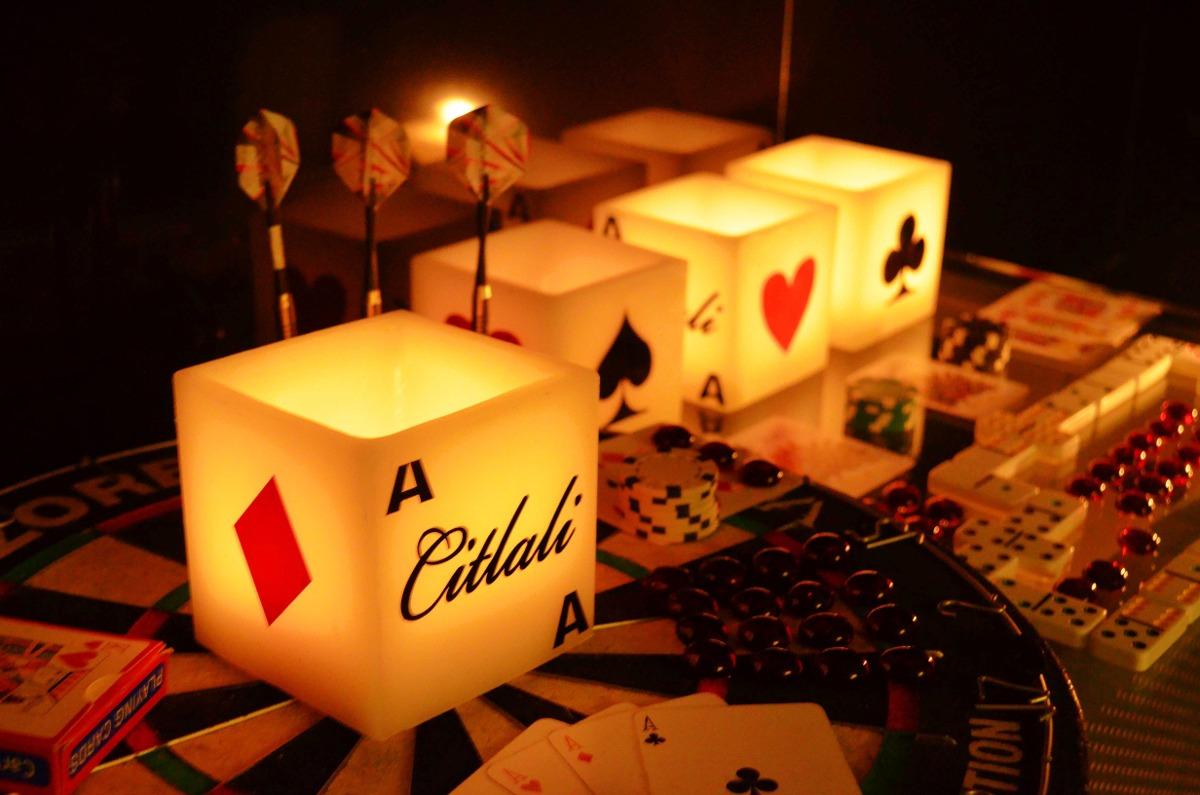 20 recuerdos tema casino para xv a os aluzza 1 for Cubre sillas para 15 anos