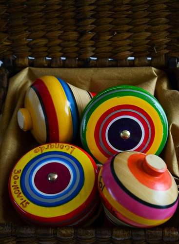 20 yoyo o trompo de madera pintado a mano recuerdo original