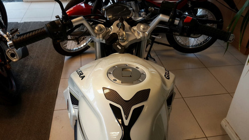 200 naked gilera moto