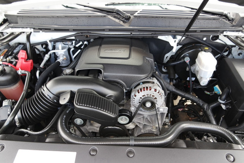 2010 chevrolet suburban lt 8 cilindros solo 49000 km