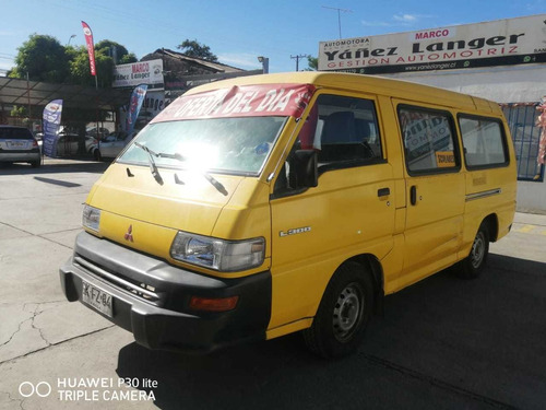 2014 mitsubishi l300 2.4  minu bus  amarillo