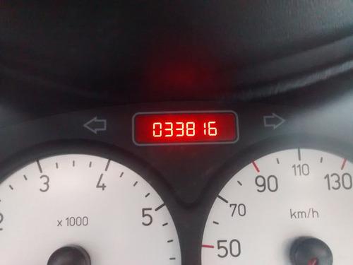 206 escapade (sw), menos de 34 mil km, revisões na peugeot