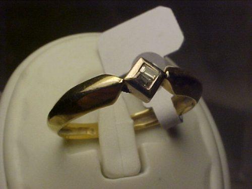 #207a - anel em ouro 18k com diamantes baguetes