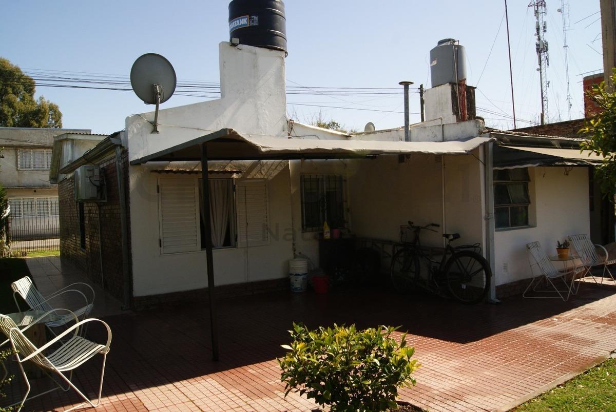 208 y 516. casa en venta  abasto