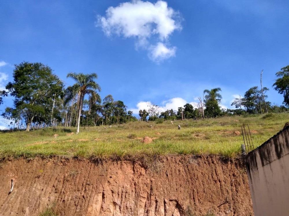 20b lindo terreno em área verde para chácara ou sitio