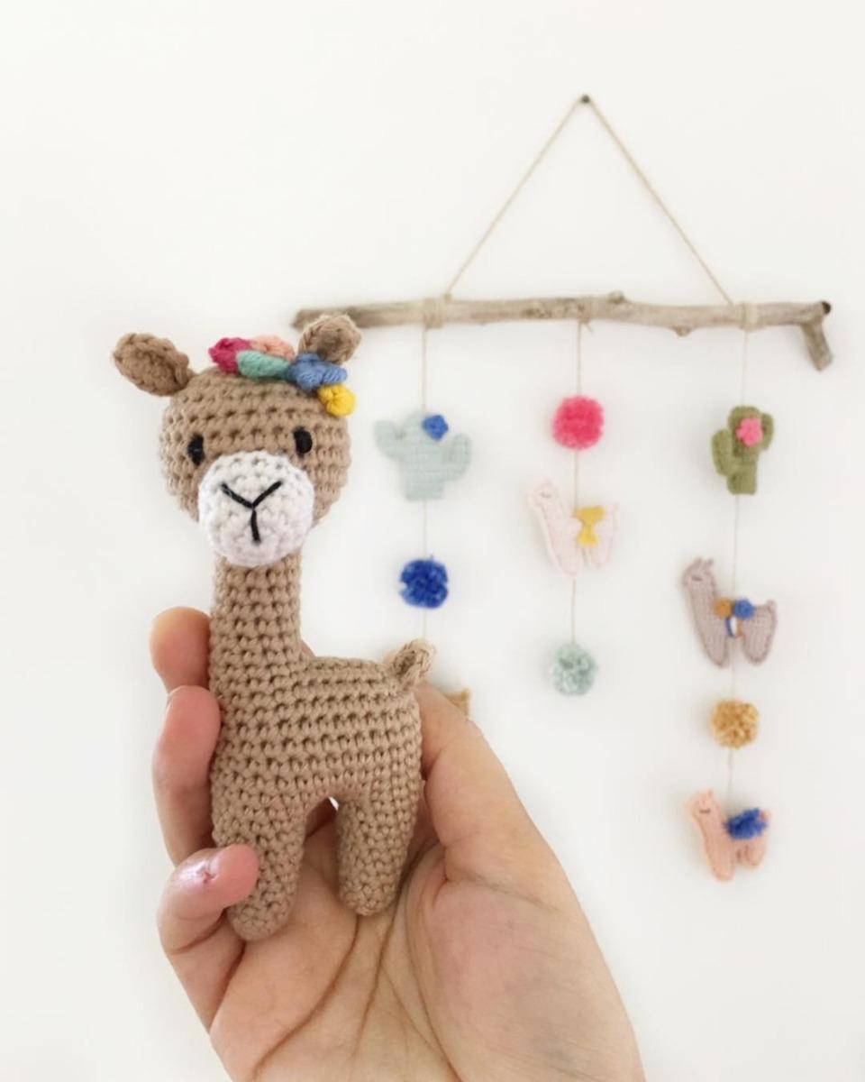 Unicórnio de crochê: aprenda a fazer esse item cheio de magia | 1200x960