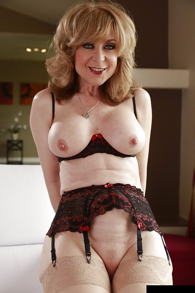23 Videos De Nina Hartley Pornstar Madura  Regalos -  49 -1146
