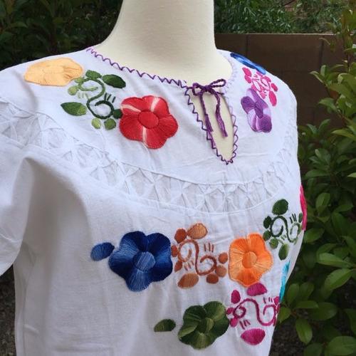 25 blusas artesanales bordadas a mano típicas de chiapas