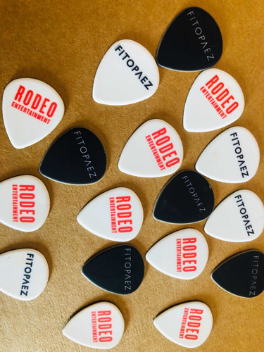 25 púas  personalizadas guitarra - con tu logo - doble faz