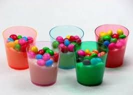 250 copinhos brigadeiro acrilico colorido 40ml doce + brinde