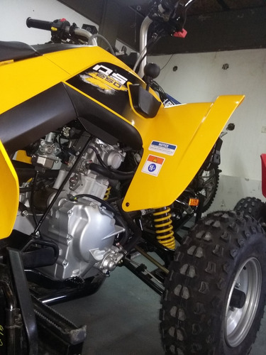 250 cuatriciclo can-am