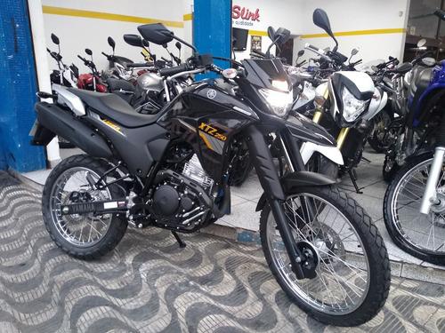 250 lander moto yamaha xtz