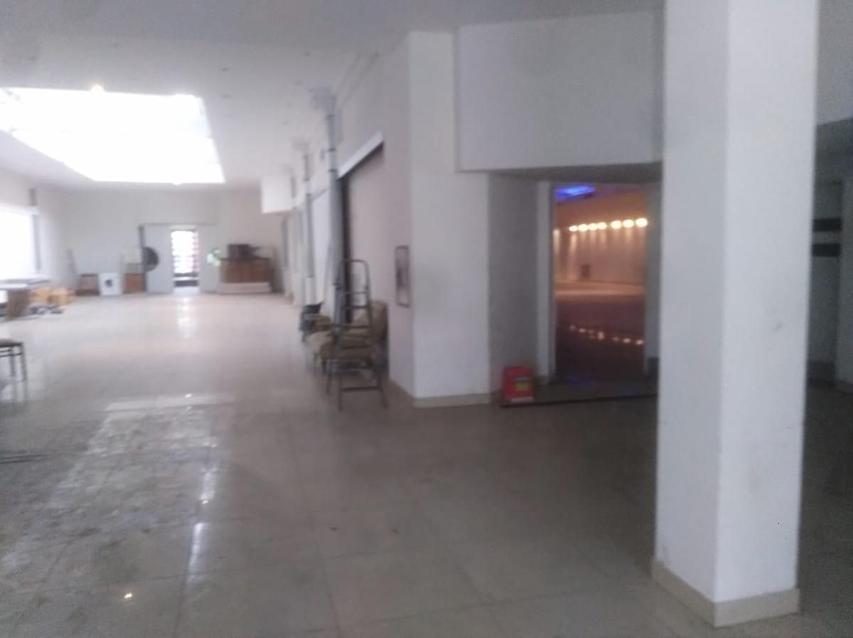 2500 m2 cubiertos ex salón de fiestas leprett - frente 23,37 x 66,38