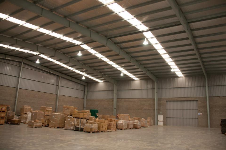 2500 m2 pacheco sobre 4200 m2 de terreno. ubicado a 300 mts de au. panamericana