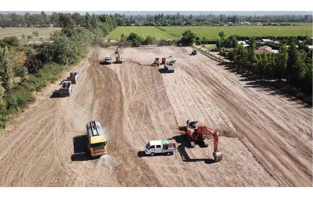 25.000 m2 planas aptas para agro-industria a 200 mts ruta 5 sur
