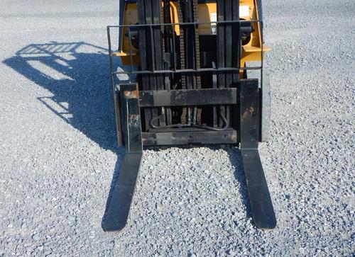 28) montacargas caterpillar gas lp 8000 lbs. 2008