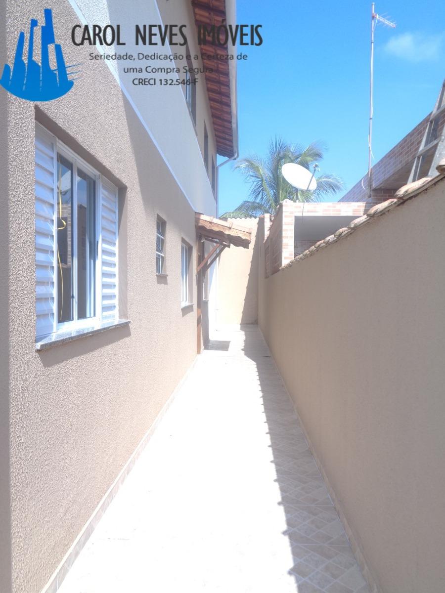 2884- belíssimas casas sobrepostas localizadas no litoral!