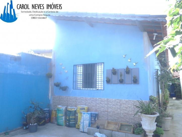 2907-excelente casa com ótima localização em mongaguá!