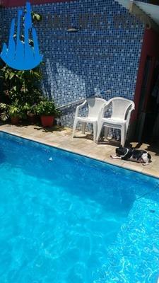 2991- casa c/ piscina á 300 mts da praia !! venha conferir !