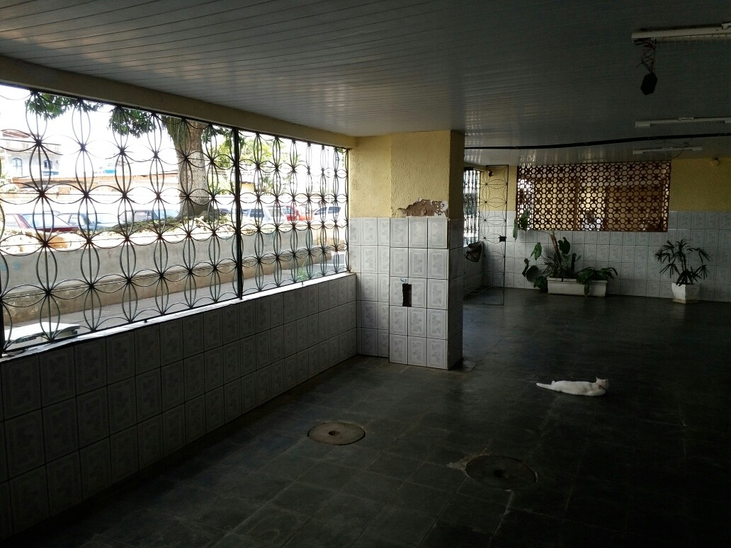 2quartos, cz/ lav, wc, garag aut, area de lazer.