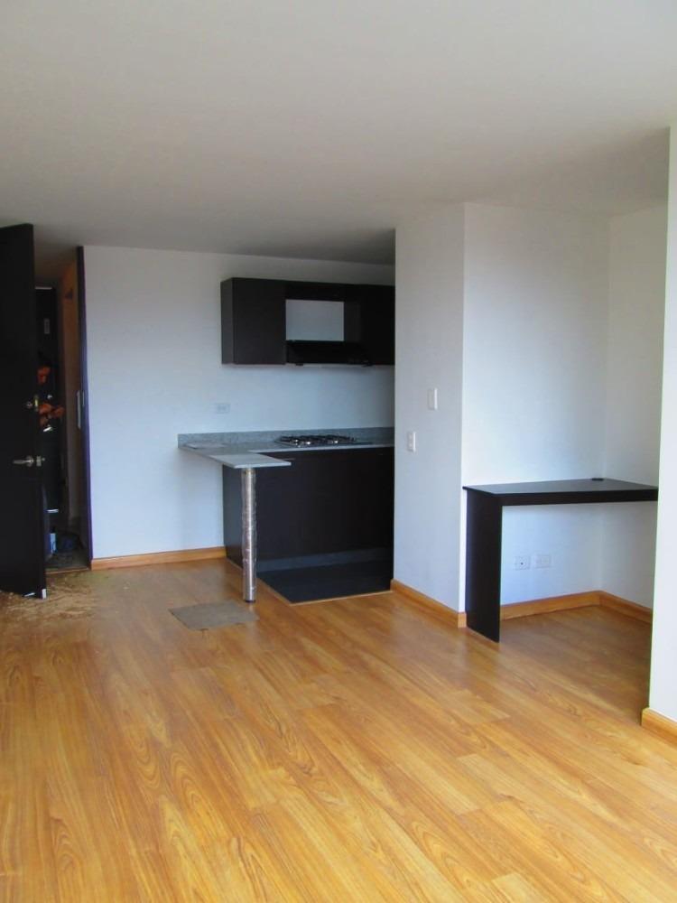3 alcobas, 3 baños, cocina integral sala comedor, balcon