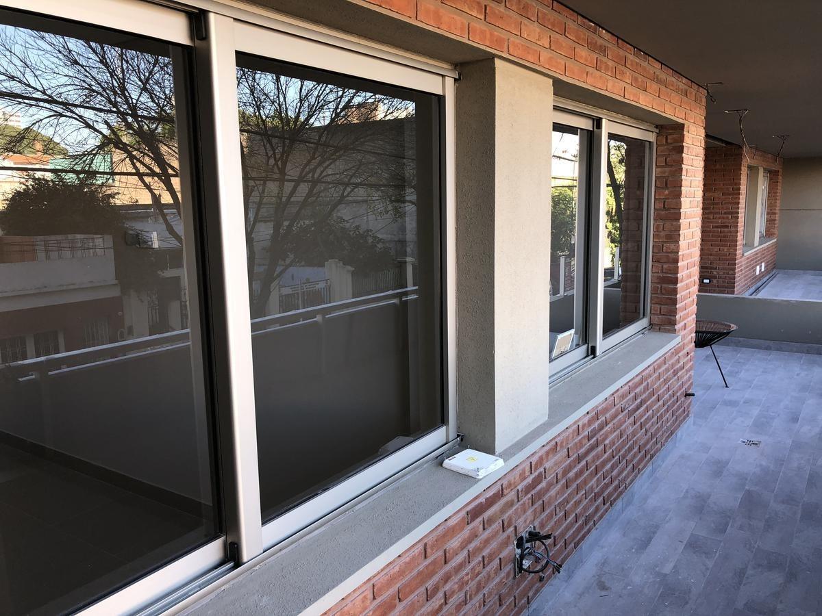 3 amb amplio escritorio, balcón, cochera - amenities